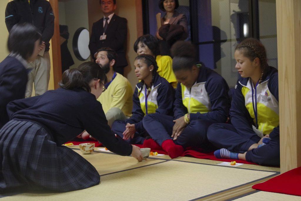 コロンビア共和国 女子ラグビーチームの皆さんへ茶会開催