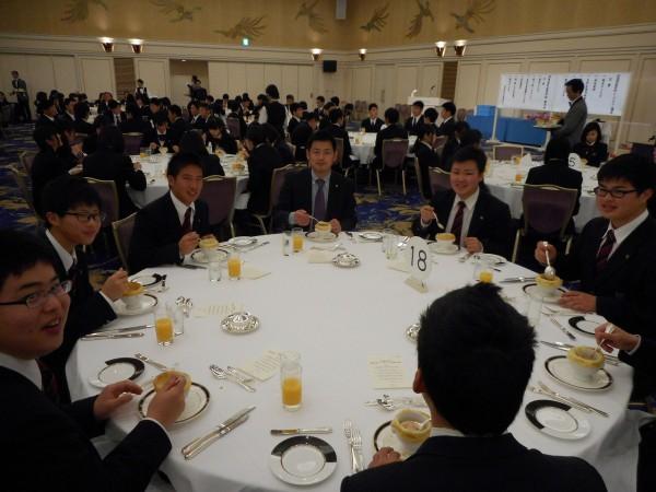 3年 テーブルマナー講習会 兼 謝恩会