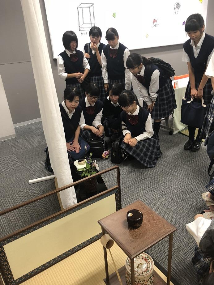 <9月は系列校の文化祭茶会へ出席しました>