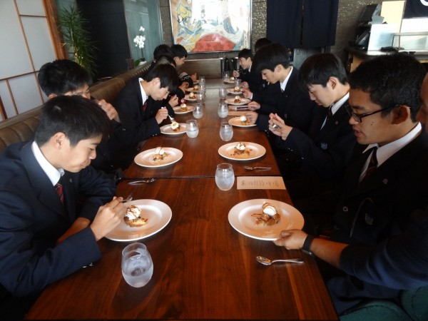 アメリカ修学旅行 食育実践科 報告3
