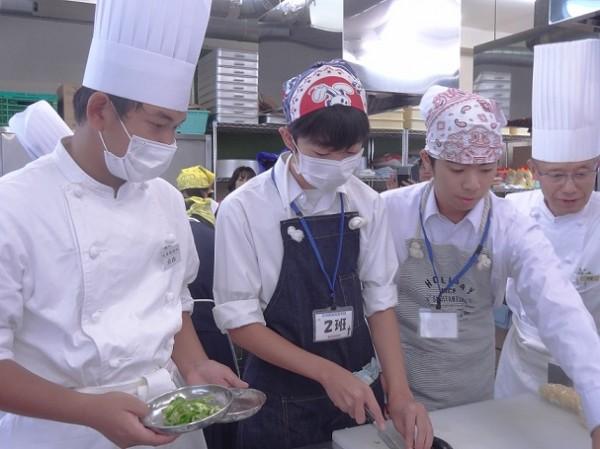 中学3年生対象の食育実践科体験を開催しました。