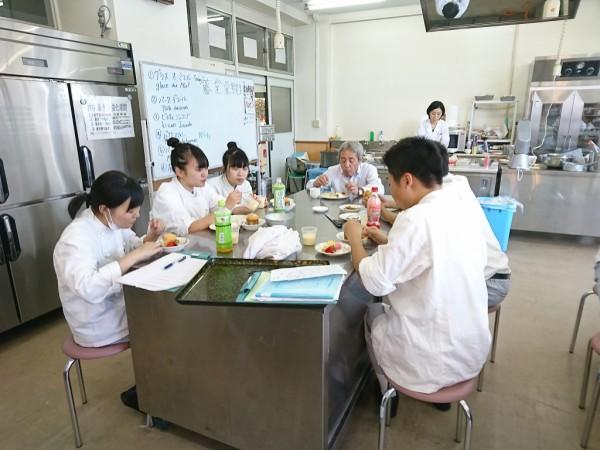 製菓外部講師実習 ~食育実践科3年~