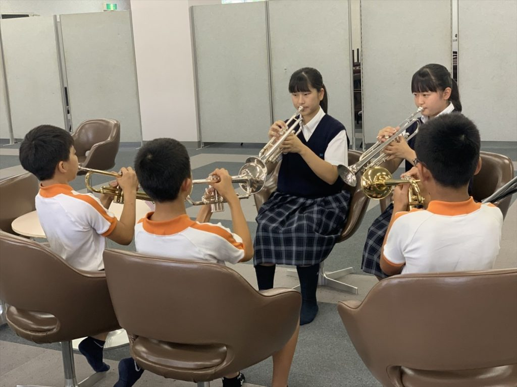 礼羽小学校の鼓笛隊指導