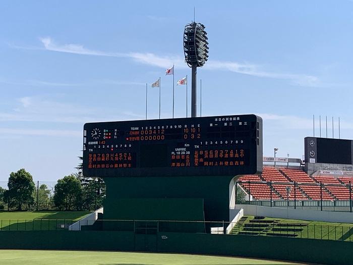 秋季高校野球県大会準々決勝 10対0で6回コールド勝ちで4強入り