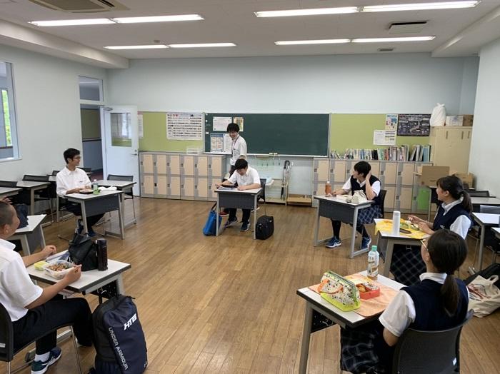 1年生分散登校3日目  ~クラスメートとの交流深まる~