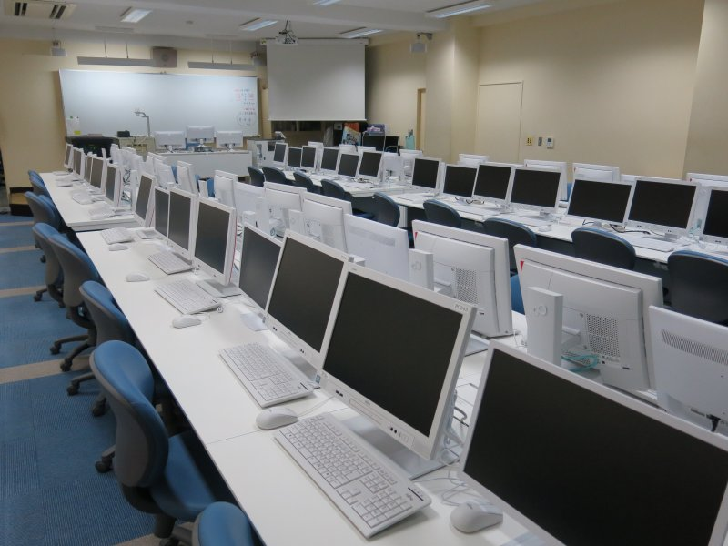 コンピュータ教室をリニューアル