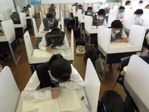 第3学年 「大学入学共通テスト模試・6月」を実施 ~大学入学テスト本番さながら、2日間で文系6教科・理系5教科に挑む~